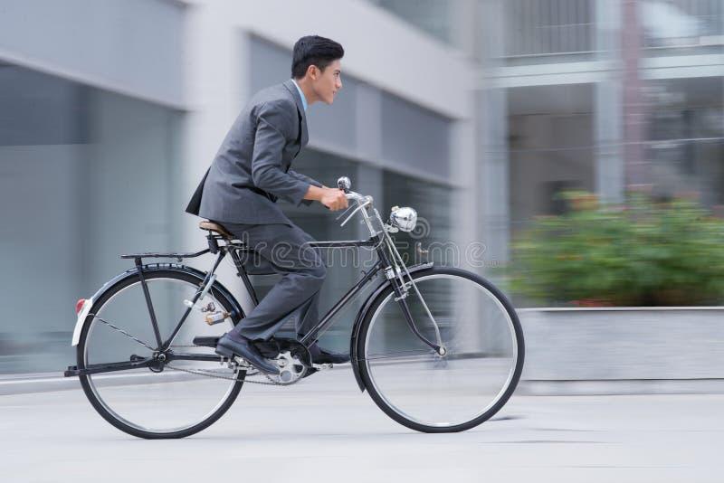 Auf Rädern lizenzfreies stockfoto