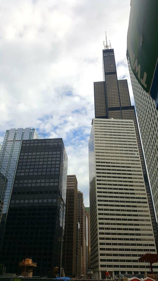 Auf und ab die Straße in Chicago lizenzfreie stockfotografie