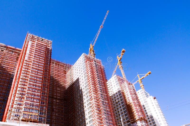 Aufbau der Wolkenkratzer lizenzfreies stockbild