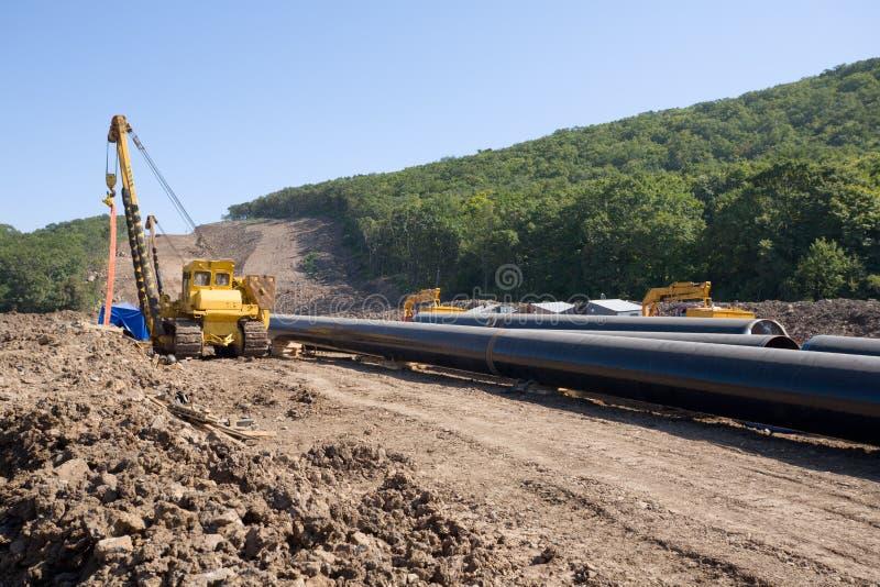Aufbau einer neuen Ölpipeline lizenzfreies stockbild