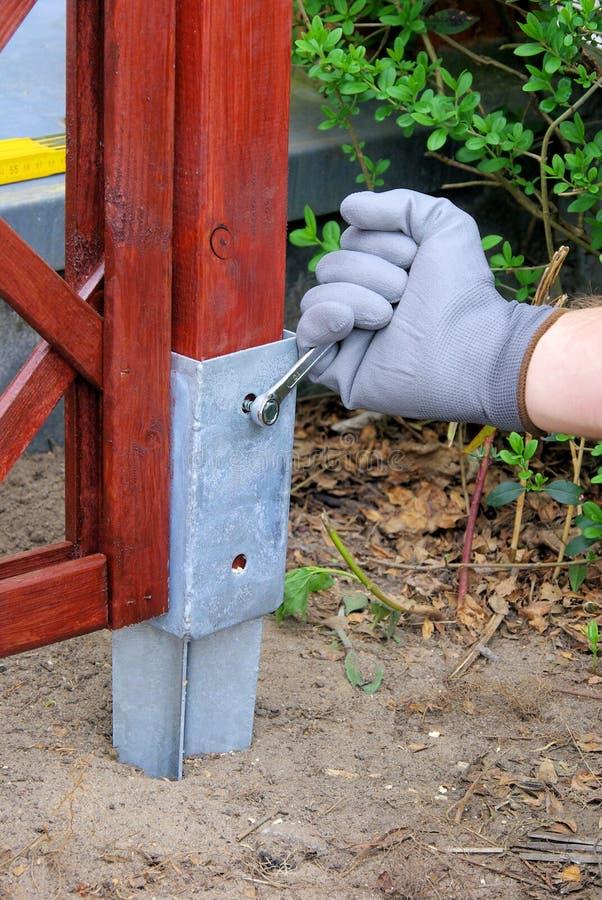 Download Aufbauen eines Gitters stockbild. Bild von sich, haupt - 9083169