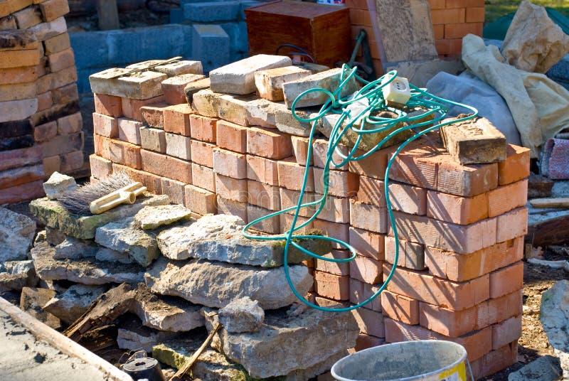 Aufbauziegelsteine und -steine stockbild