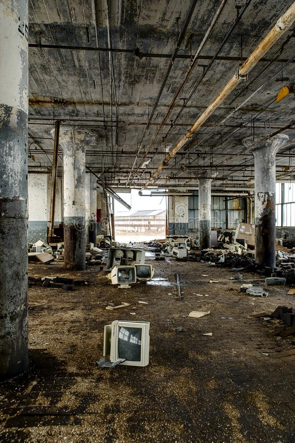 Aufgegebene Computer - verlassene Gipfel-Fabrik - Cleveland, Ohio lizenzfreies stockbild