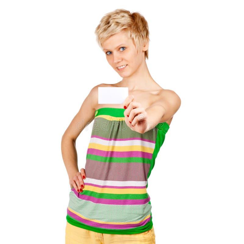 Download Aufgeregte Frau, Die Leere Unbelegte Papierkarte Zeigt Stockbild - Bild von nett, reklameanzeige: 26367531
