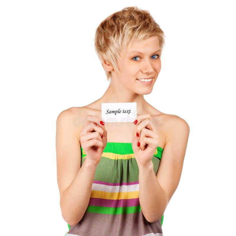 Download Aufgeregte Frau, Die Leere Unbelegte Papierkarte Zeigt Stockfoto - Bild von leute, glücklich: 26367572