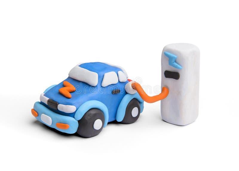 Aufladendes modernes Elektroautokonzept mit Lehm stockbilder