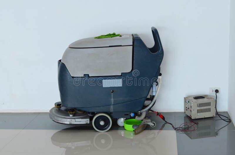 Aufladung Bodender polierreinigungsmaschine stockbilder