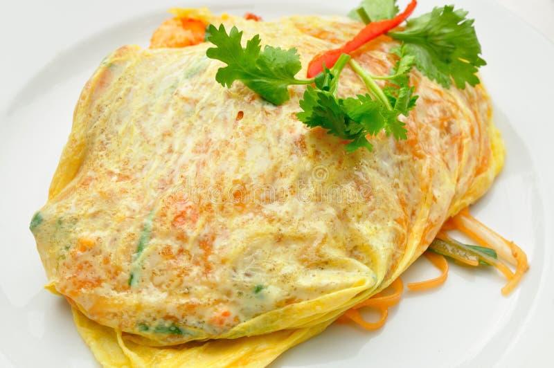 Auflage thailändisch mit frischer Garnele stockfoto