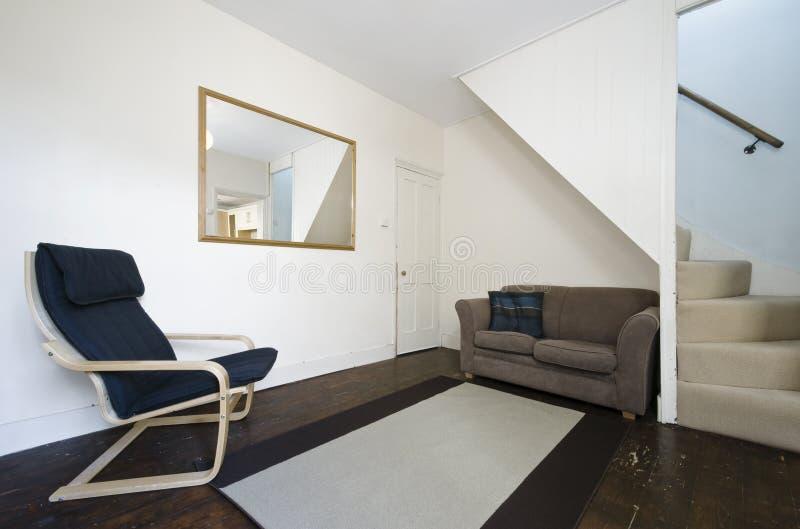 Aufnahmeraum mit Treppenhaus lizenzfreies stockbild