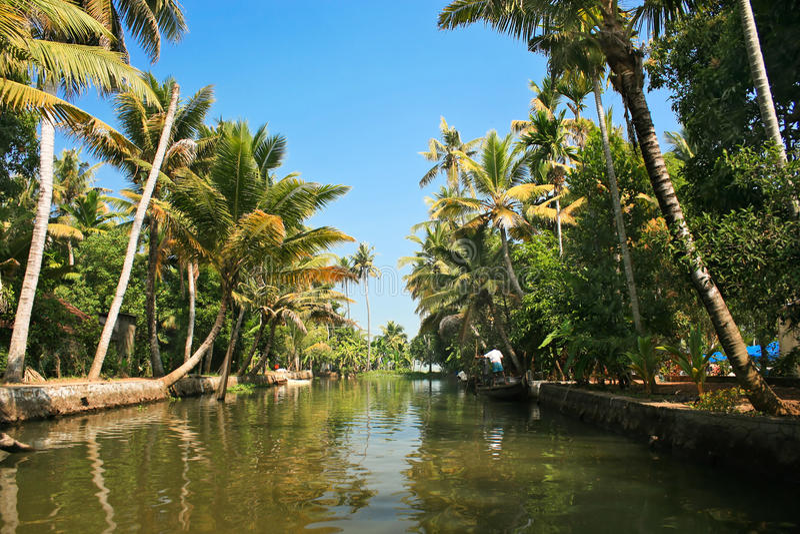 Aufregende Reise durch die Stauwasser von Kerela stockbilder