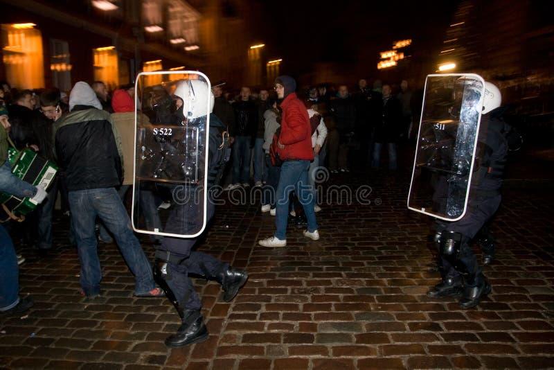 Aufstände und Polizei stockfotografie