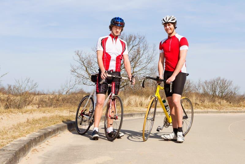 Aufstellung von Radfahrern lizenzfreie stockfotografie
