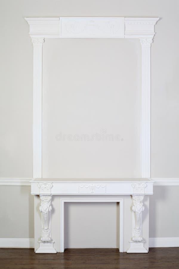Aufwändige dekorative Pflasterformteile im Studio lizenzfreies stockfoto