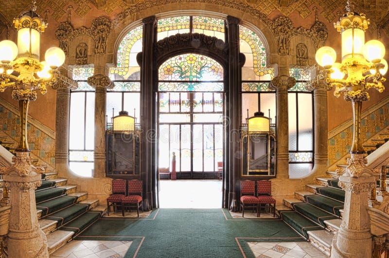 Aufwändige Innenarchitektur der Eingangshalle bei Palau de la Musica, Barcelona, Spanien, 2014 stockfotos