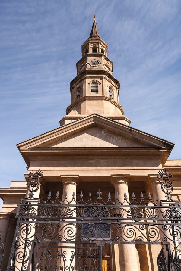 Aufwärts Ansicht-St Philip Turm-Charleston Sc stockfotos