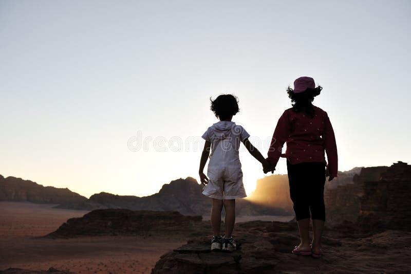 Aufwartung des Sonnenuntergangs in der Wüste lizenzfreies stockbild