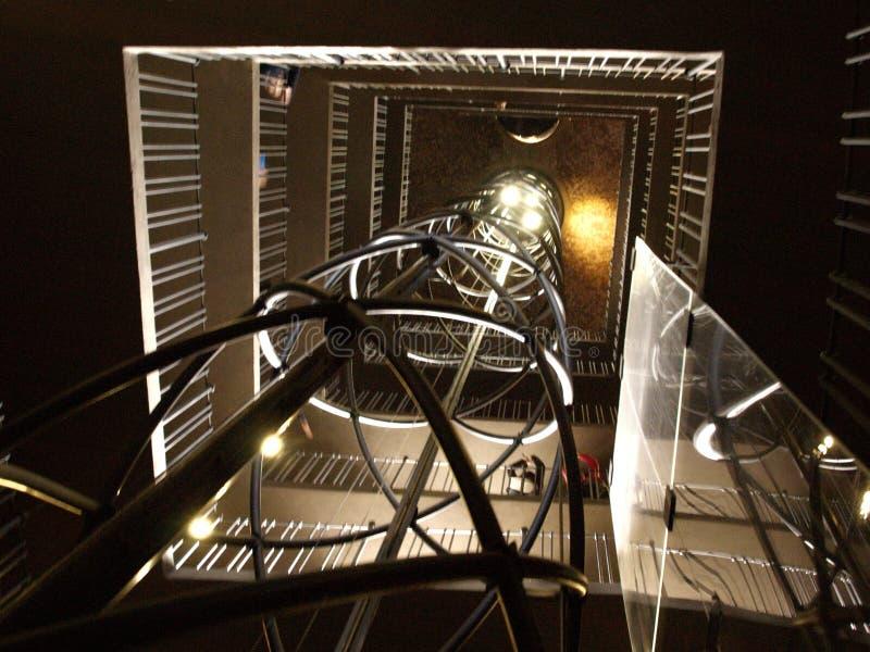 Aufzugswelle, zum der alten Stadt Hall Tower herauszunehmen stockfotos
