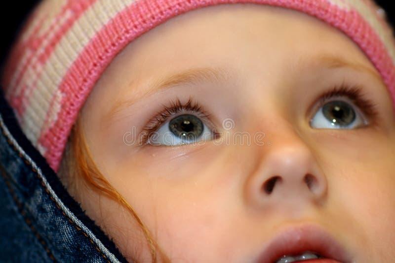 Auge der kleinen Mädchen lizenzfreie stockfotos