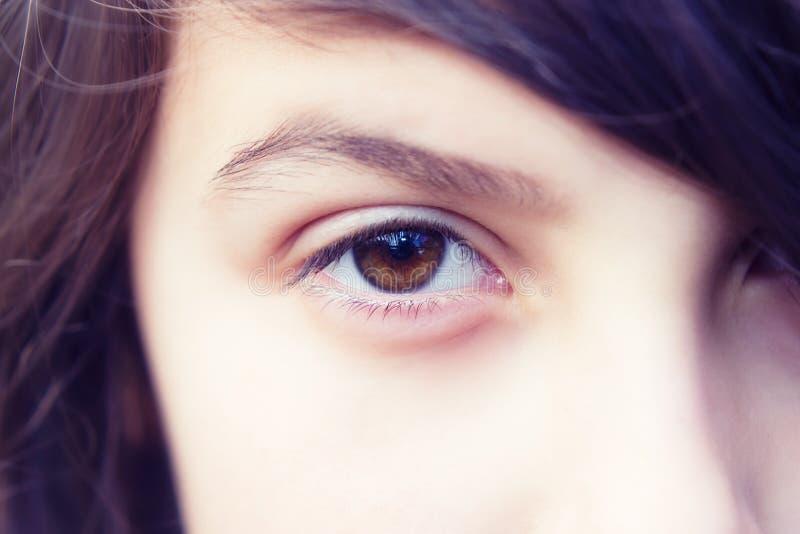 Auge eines Mädchens stockbilder