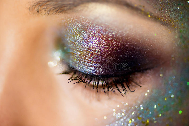 Augen malten Paillettenahaufnahme lizenzfreies stockfoto