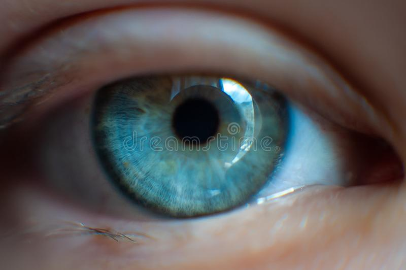 Augenmädchennahaufnahme lizenzfreies stockbild