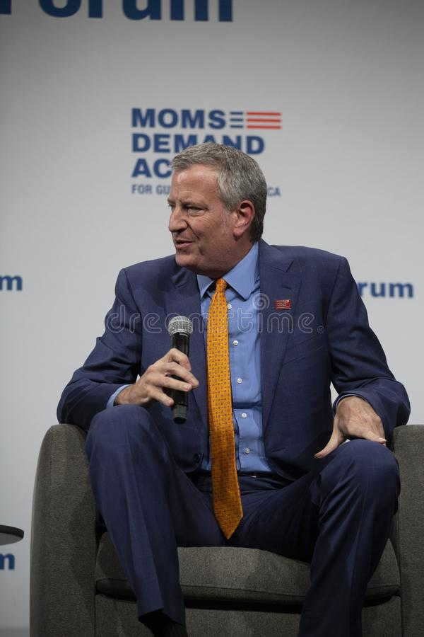 10. August 2019 in Des Moines, Iowa: Bill de Blasio spricht lizenzfreie stockfotos