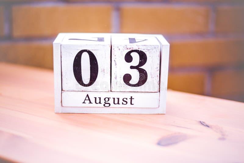 3. August-August 3 - Geburtstag - internationaler Tag stockbilder