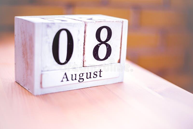 8. August-August 8 - Geburtstag - internationaler Tag - Nationaltag lizenzfreie stockfotografie