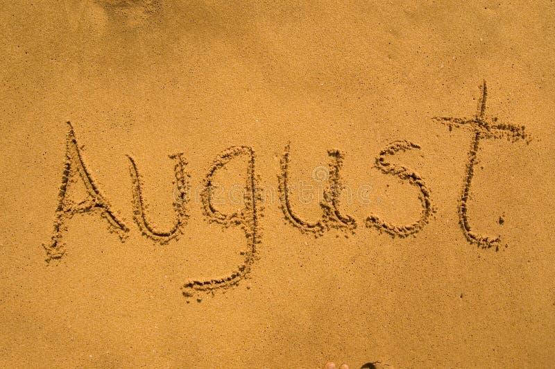 August im Sand lizenzfreie stockbilder