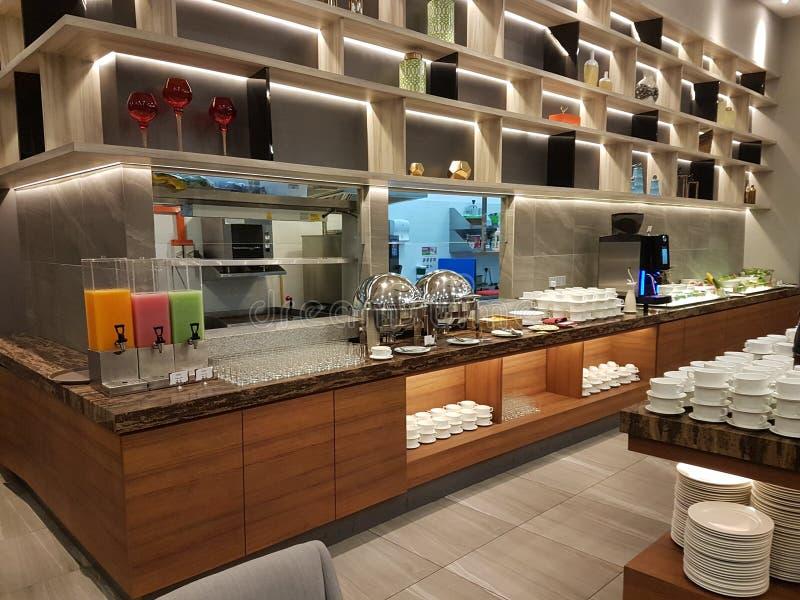 15. August 2018 Kuala Lumpur Das Restaurant den ganzen Tag, speisend gegründet in Mercure Selangor Selayang-Hotel stockfotografie