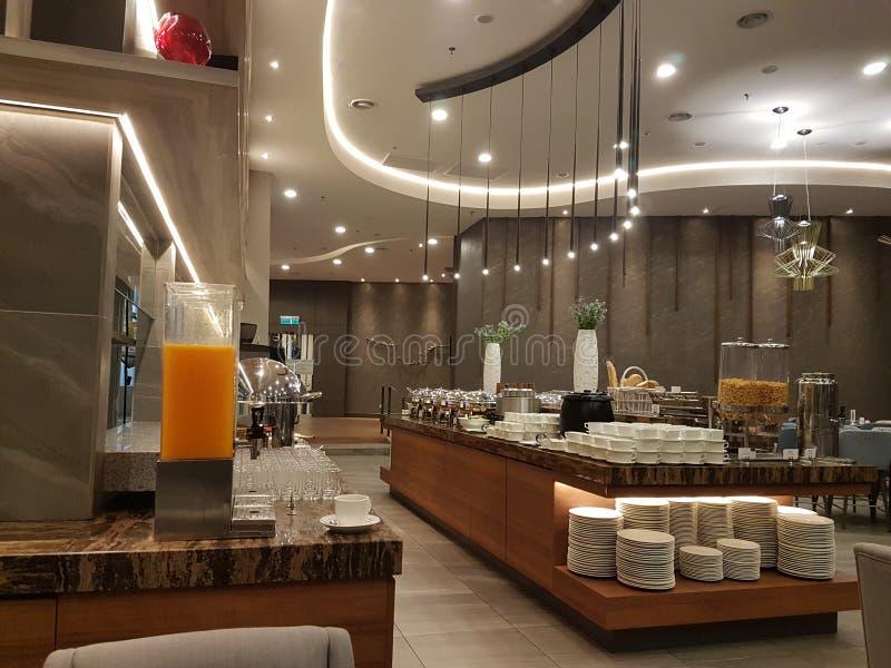 15. August 2018 Kuala Lumpur Das Restaurant den ganzen Tag, speisend gegründet in Mercure Selangor Selayang-Hotel lizenzfreie stockfotografie