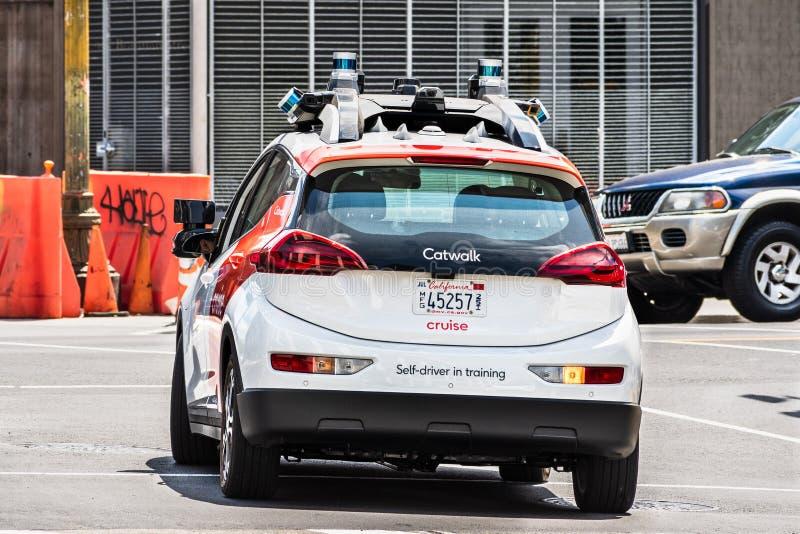 10. August 2019 San Francisco/CA/USA - Kreuzfahrt besessen von General Motors-Selbst, der das Fahrzeug durchführt Tests auf der S lizenzfreies stockbild