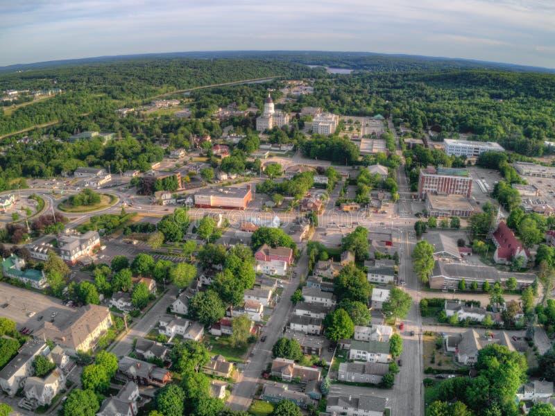 Augusta è il Campidoglio di Maine Vista aerea considerata dal fuco dentro fotografie stock