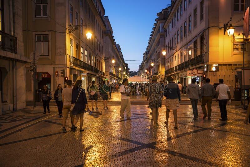 Augusta Street alla notte, Lisbona, Portogallo fotografie stock libere da diritti