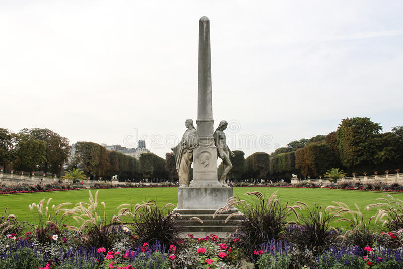 Auguste Scheurer-Kestner-Erinnerungs-collumn in Paris stockbilder