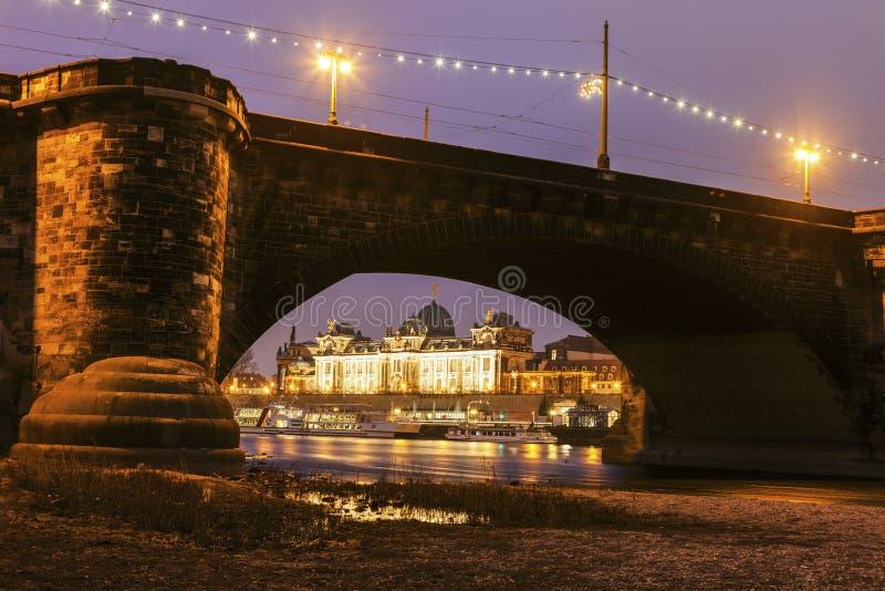 Augustus Bridge em Elbe River fotos de stock royalty free