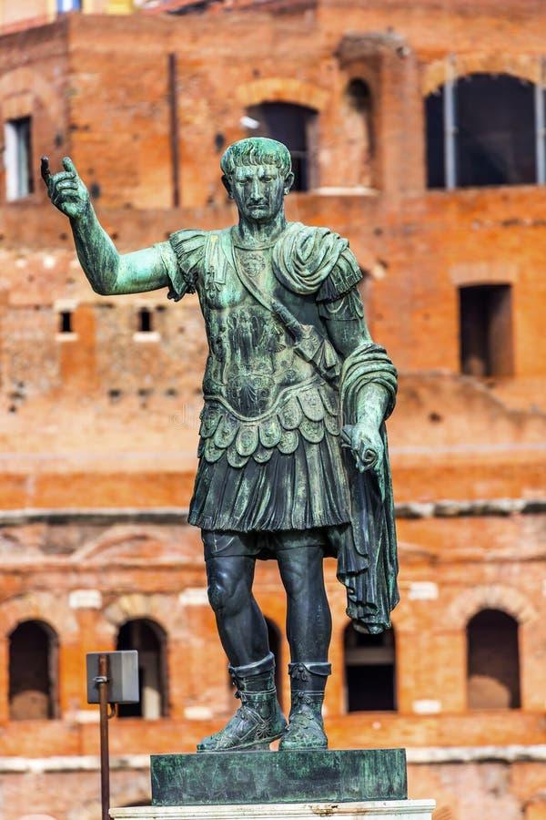 Augustus Caesar Statue Trajan Market Rome Itália imagens de stock royalty free