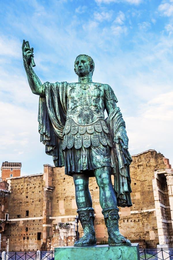 Augustus Caesar Statue Trajan Market Rome Itália imagem de stock