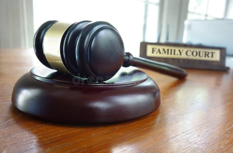 Auktionsklubba för familjdomstol royaltyfria foton
