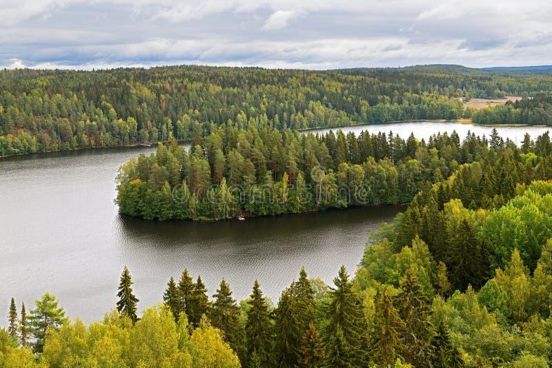 Aulanko-skogsparken, Hameenlinna, Finland Bild från Aulangonvuori Hill royaltyfri fotografi