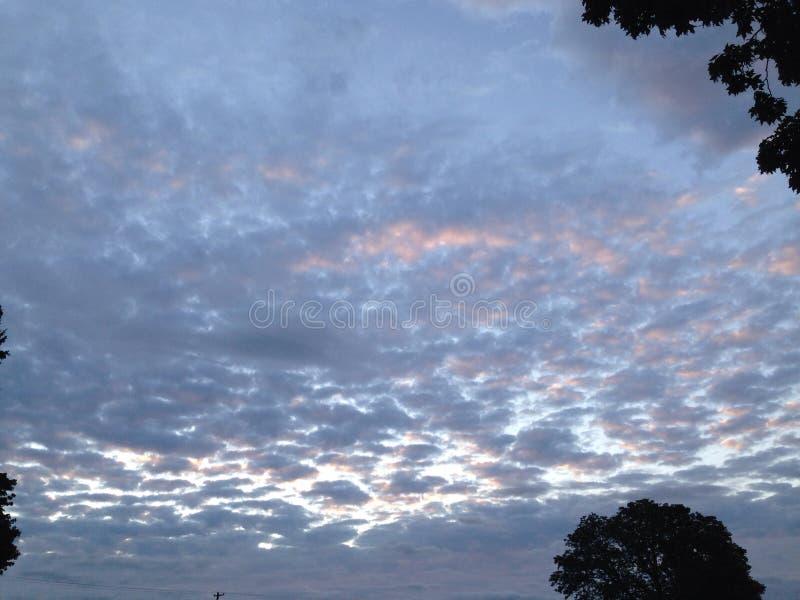 Aumentação das nuvens do algodão doce imagem de stock royalty free
