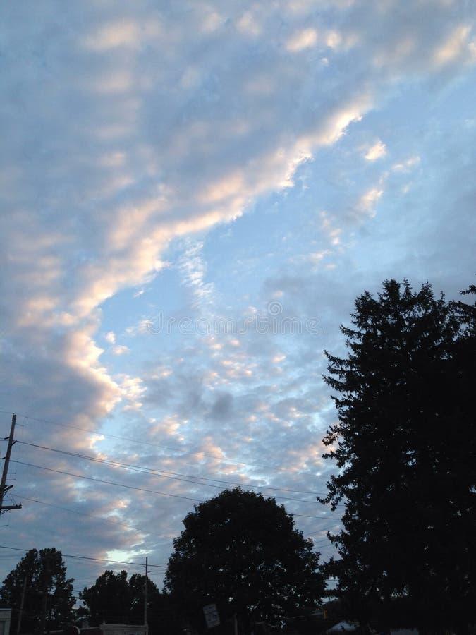 Aumentação das nuvens do algodão doce imagens de stock royalty free