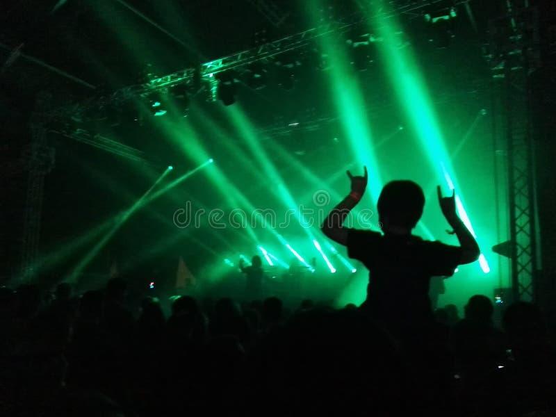 Aumentando sulla musica fotografie stock libere da diritti