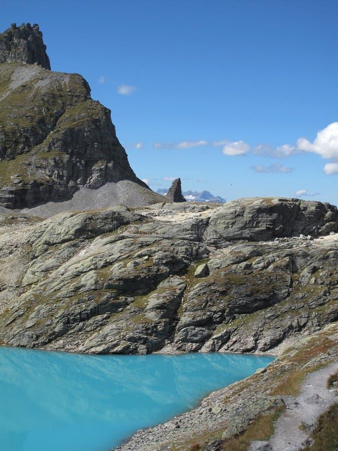 aumento del lago 5-Lakes del ghiacciaio del turchese, Wildsee, CH fotografia stock libera da diritti