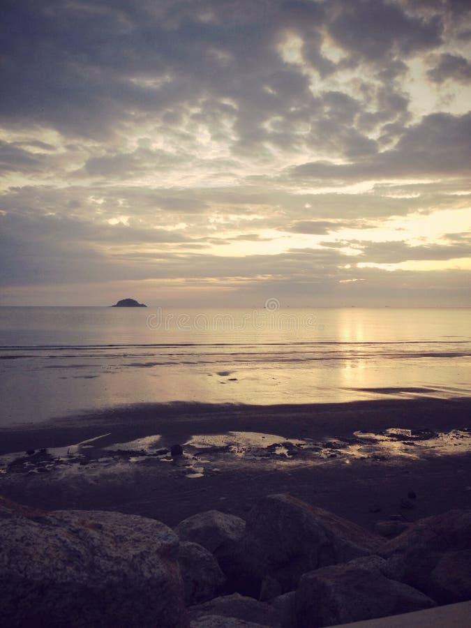 Aumento di Sun alla spiaggia fotografie stock