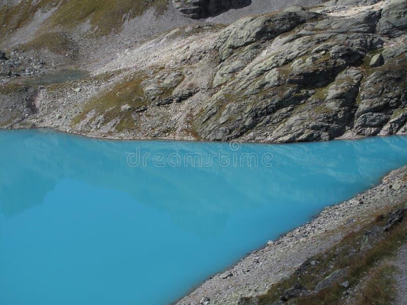 aumento selvaggio del lago 5-Lakes del turchese, Wildsee, CH immagine stock