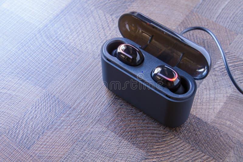 Auriculares de Bluetooth fotografía de archivo libre de regalías