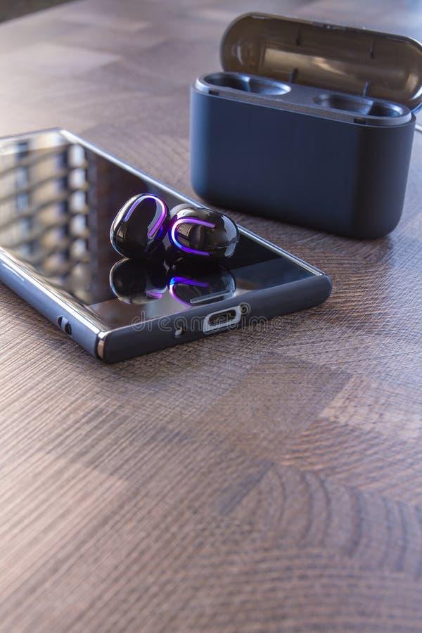 Auriculares de Bluetooth imagen de archivo