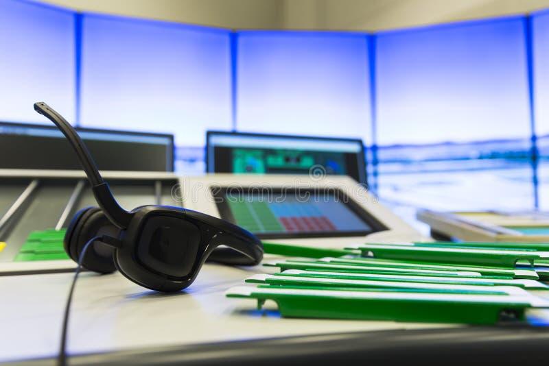 Auriculares do controlador aéreo foto de stock