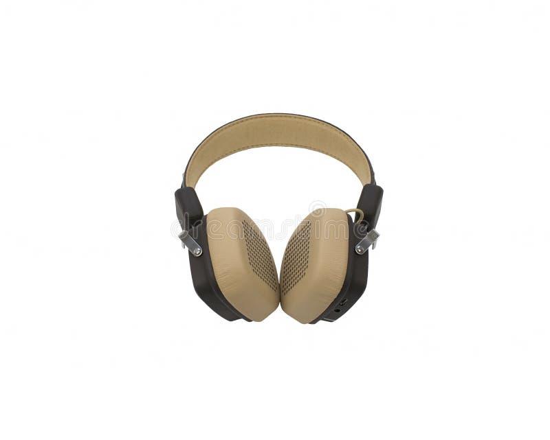 Auriculares inalámbricos marrones y beige suaves con el bluetooth aislado en el fondo blanco foto de archivo libre de regalías